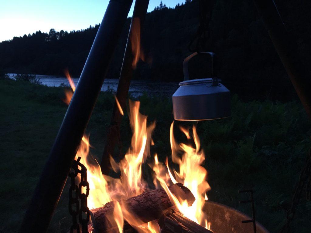 En panna kaffe innan nattpass i Orkla